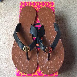 NIB Tory Burch Thora Black Tumbled Leather Sandals
